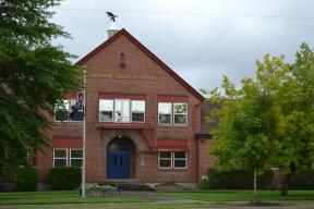 Monroe Oregon Highschool - home of the Dragons